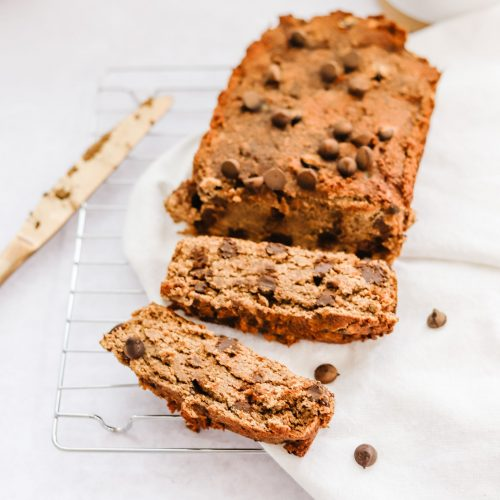 Coconut Flour banana bread with chocolate chips {paleo}